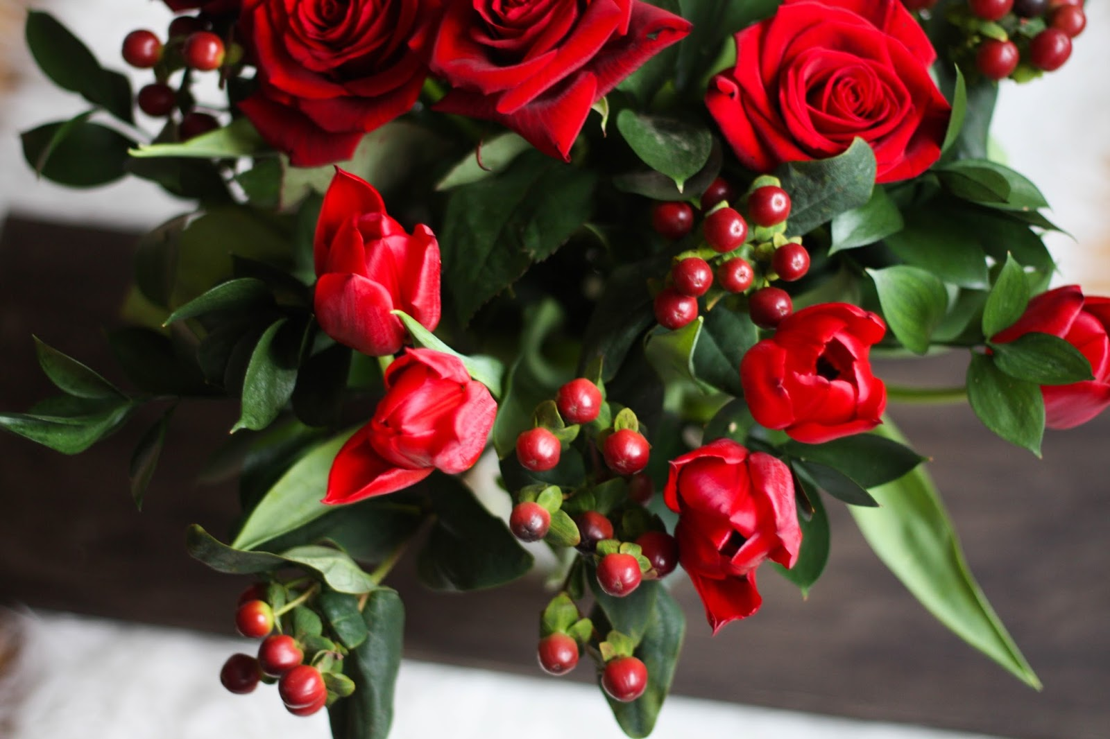 winter blooms 5 cut flowers for your winter table cityscape bliss