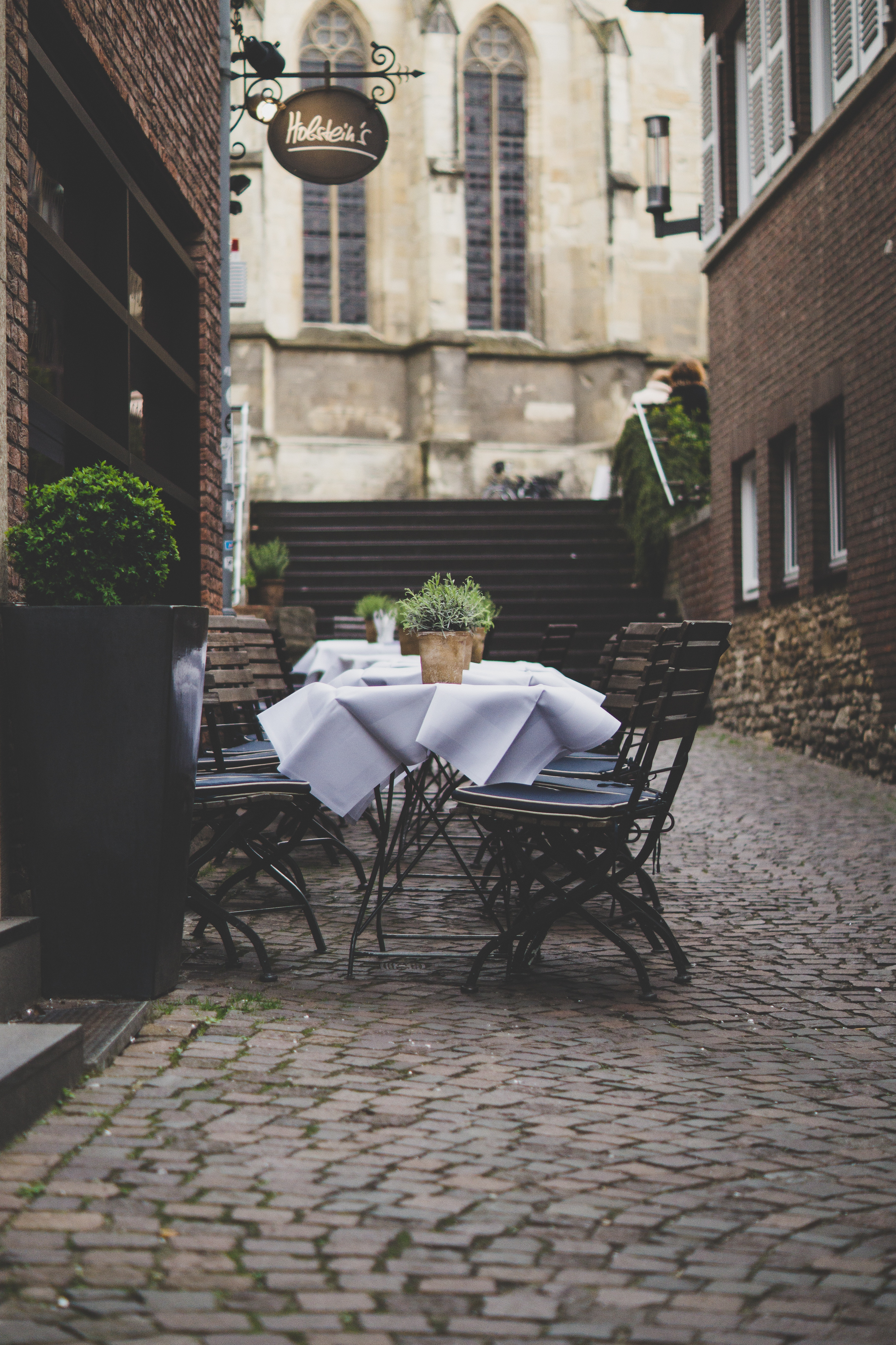 Starting a business: New versus used commercial restaurant furniture - which is better?