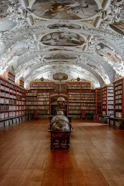 Strahov Library: A library from 1600's